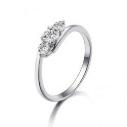 Anel de noivado em prata com zircônia